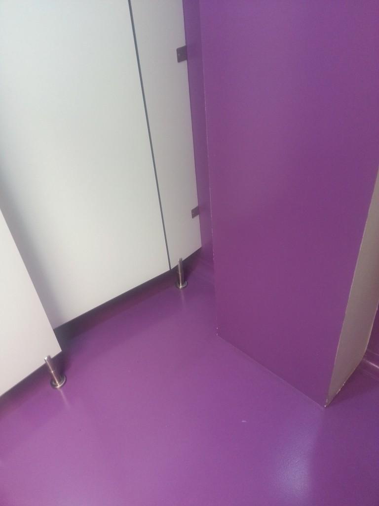 autonivelante epoxy violeta